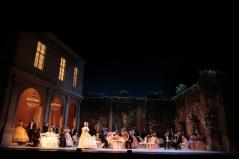 013_the-traviata-verdi_theredlist